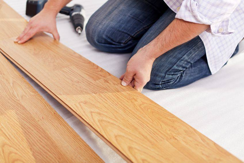 Laminate flooring reviews best brands pros vs cons for Laminate floor covering