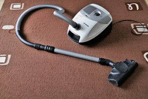 Use A Wet/Dry Vacuum