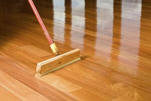 Should You Use Water-Based Or Oil-Based Polyurethane?